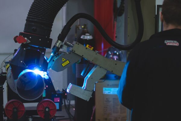 Collaborative pipe welding robot